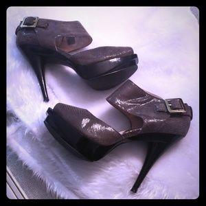 Beautiful Olive Green Michael Kors Shoe